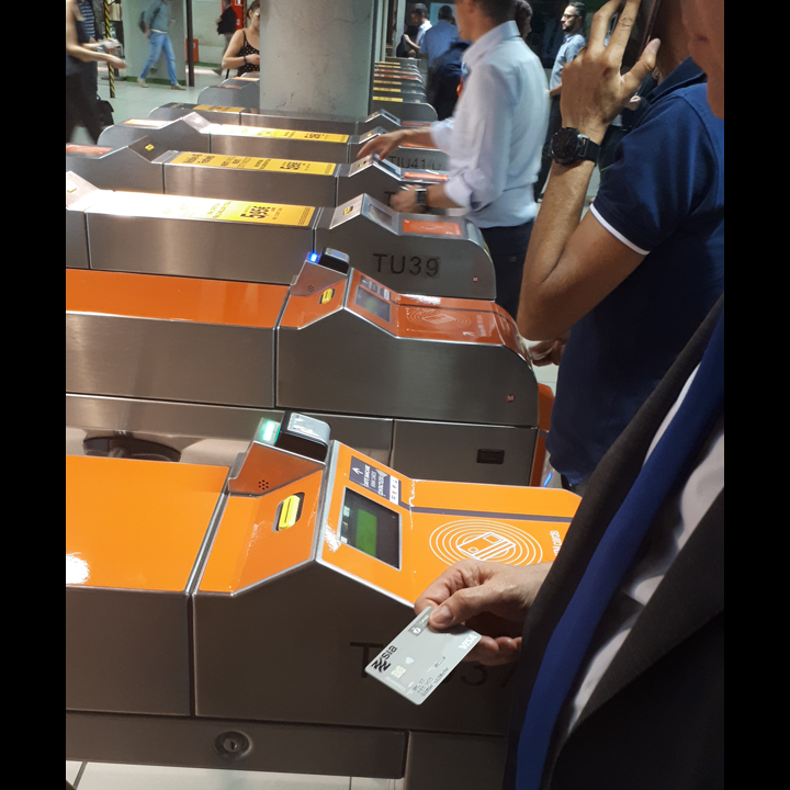 SIA, NFC, kontaktlos, ATM, Mailand, U-Bahn